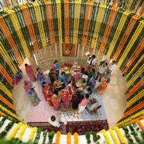 Indian Wedding Flower Decorations At Home Flower Garlands And