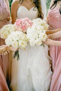 Pink And White Bouquets For Weddings