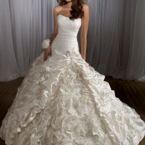 Stunning Wedding Dresses Photo Album