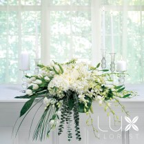 White Altar Arrangement (bw17