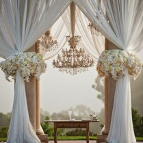 Using Tulle In Many Wedding Decoration Ideas