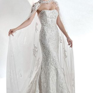 14 Cape Wedding Dresses For A Trendy And New Bridal Look