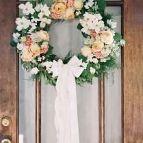15 Refreshing And Charming Diy Spring Wedding Wreaths