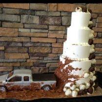 17 Best Ideas About Mudding Wedding Cakes On Emasscraft Org