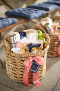 35 Creative Diy Gift Basket Ideas For This Holiday