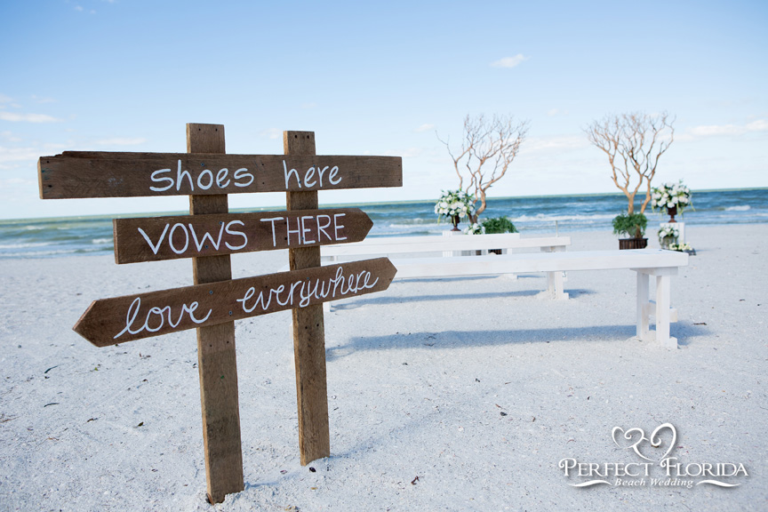 Perfect Bare Elegance Wedding Decor Package. Elegant Beach Wedding