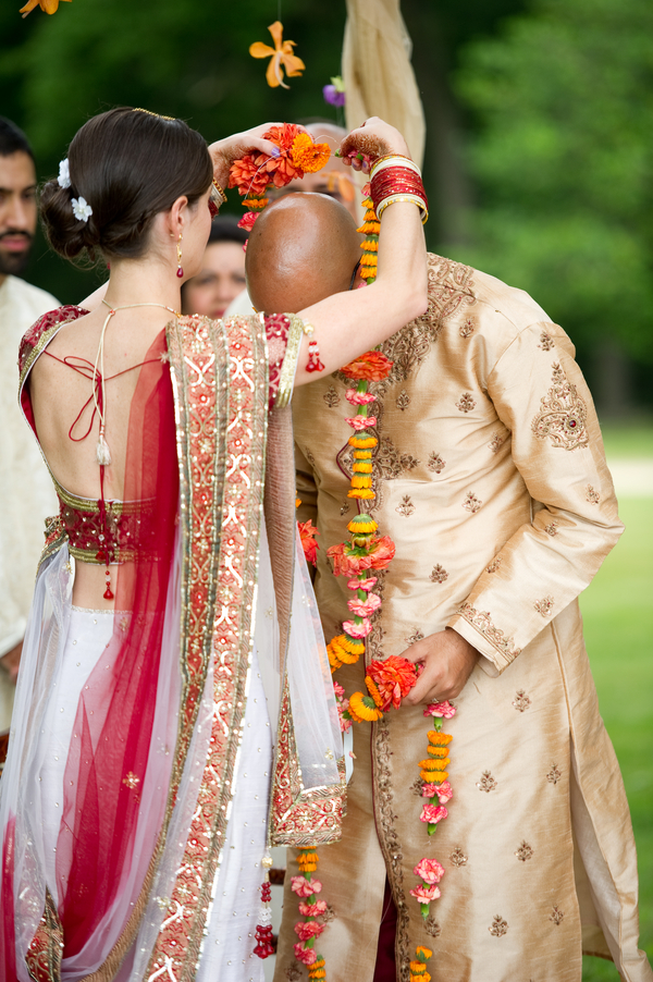 Hindu wedding dresses pictures
