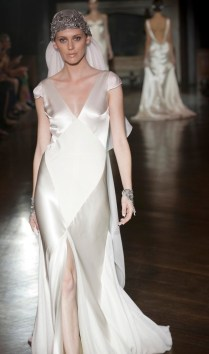 Images Of Silk Wedding Dresses
