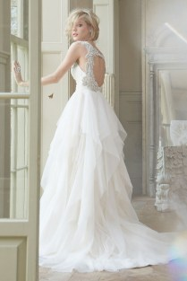 Keyhole Wedding Dresses
