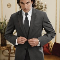 Popular Tuxedos And Suits For Fall Weddings!