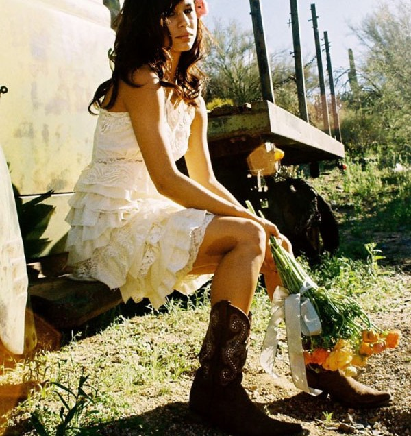 Short Country Wedding Dresses With Boots