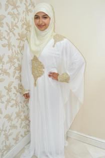 White Abaya With Brighten Hijab Styling – Girls Hijab Style
