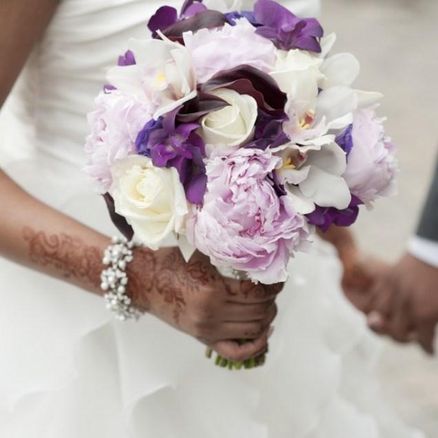 White Wedding Flowers The Unique Classics