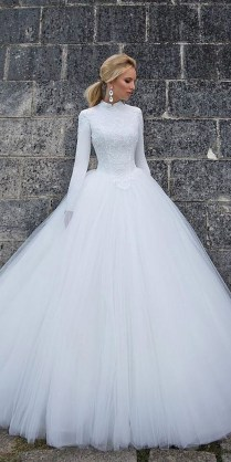 21 Impeccable Winter Wedding Dresses