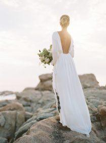 27 Gorgeous Minimalist Wedding Dresses For Modern Brides