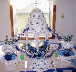 Best 25 Fountain Wedding Cakes Ideas On Emasscraft Org Wedding Cake