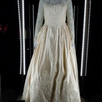 Hollywood Movie Costumes And Props Wedding Dress From Father Of