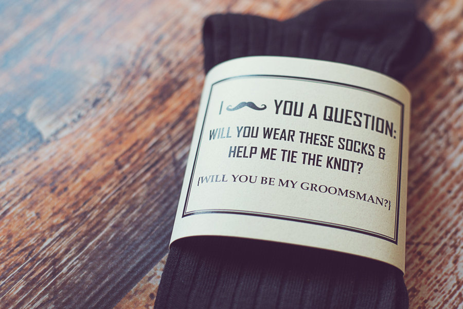 how to ask groomsmen to be in your wedding