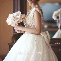 Ivory Lace Bow Back Royal Style Pearl Wedding Dresses Ball Gowns