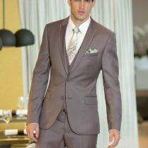 New Style Brown Mens Wedding Tuxedos Peaked Lapel Wedding Suits