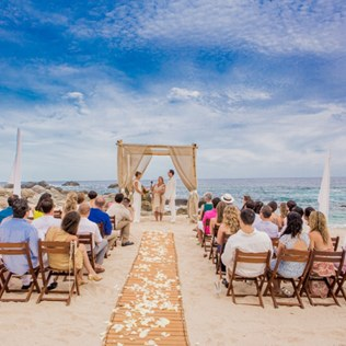 What You Need To Know About A Beach Wedding