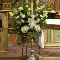 Traditional White Standing Ceremony Arrangement With Roses