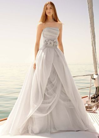 Vera Wang Wedding Dresses That Inspire