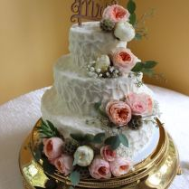 Stunning Cake By Cake Art Of Lansing, With Fresh Florals By All
