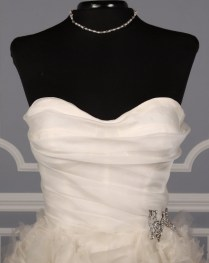 Monique Lhuillier Waltz X Sample Wedding Dress On Sale 80 Off