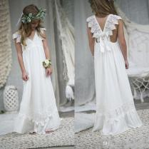 Ivory Elegant Bohemian Flower Girl Dresses A Line V Neck With Lace