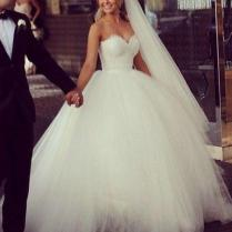 New Vintage Princess Ball Gown Wedding Dresses Beaded Tulle Bridal