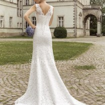 Vintage Lace Sheath Appliques Bridal Dress 2019 Court Train V Neck