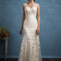 Beautiful Sheath V Neck Vintage Lace Wedding Dress With Buttons