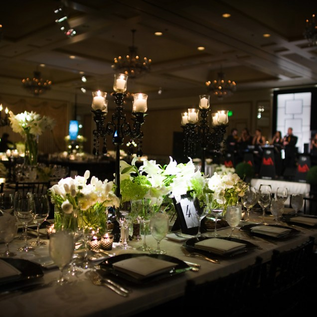 Real Stories A Modern Black And White Wedding At The Four Seasons