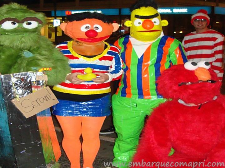 Pessoas fantasiadas para o Halloween no Canadá
