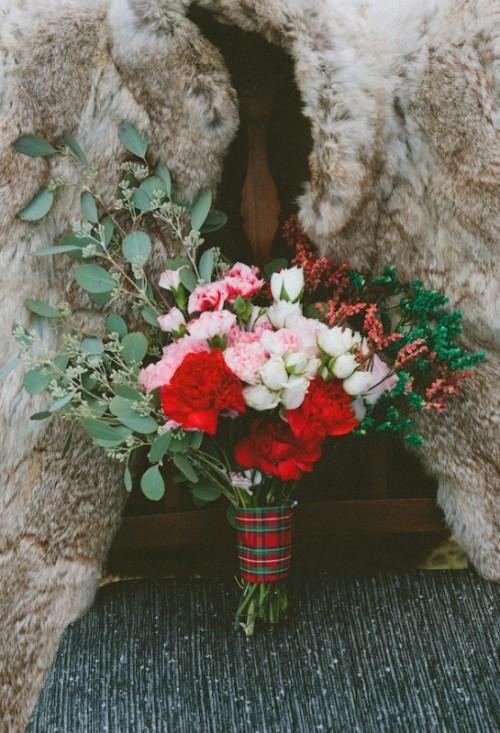 extraordinary-rustic-plaid-wedding-inspirational-shoot-12-500x733