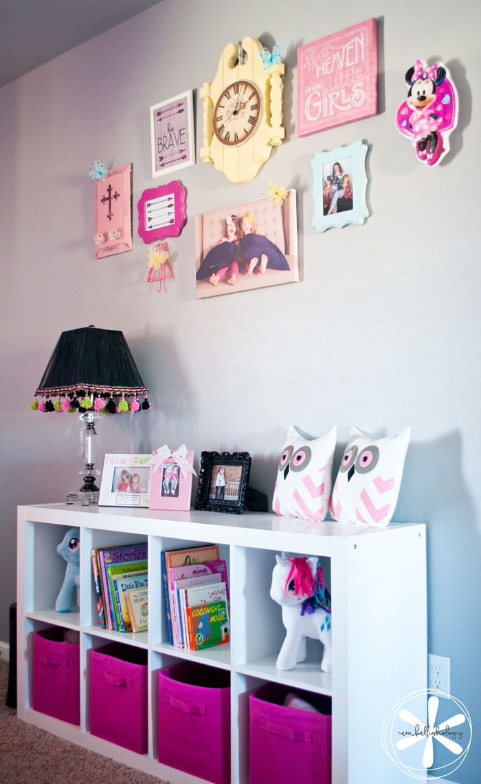 An adorable and cheerful girls' shared bedroom