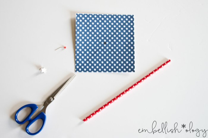 Make these fun red white and blue pinwheels using paper straws, brads and the free printable included!
