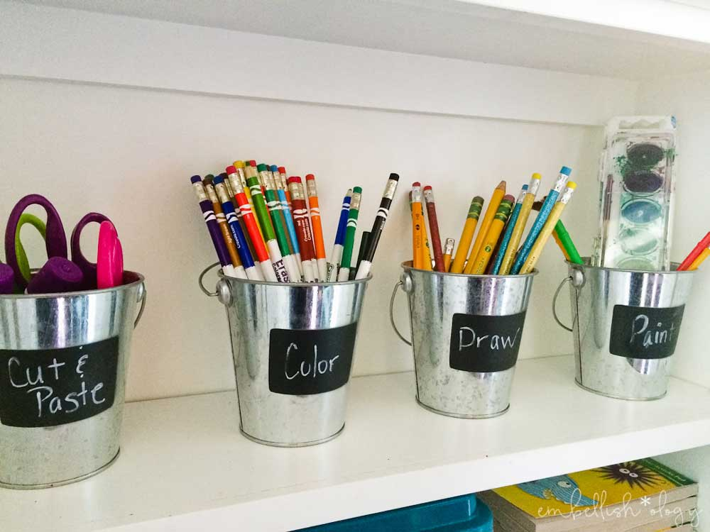 Don't have much room for your kids craft supplies? Here are some ideas for organizing them in a small smace