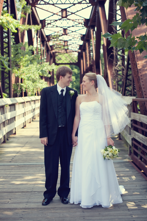 wedding picture, photo by Victoria Souza Photography
