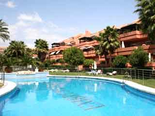 embrujo playa apartments