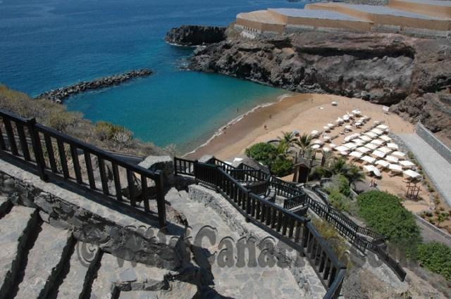 Plaja de la hotelul Abama e mai ascunsă, dar merită osteneala.