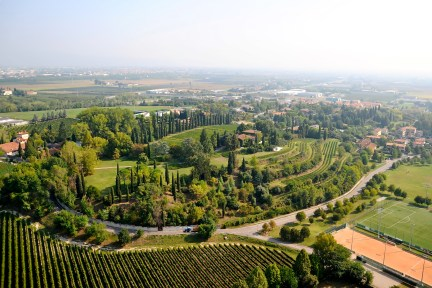 Wine Tasting Around the Lake Garda Hills