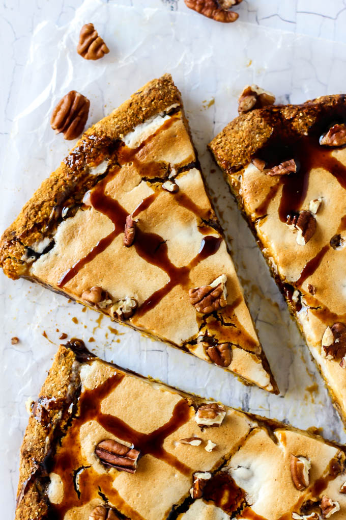 If you're looking for a fun dessert for the holidays, this sweet Pumpkin Pie Dessert Pizza is for you! It's flavorful, vegan, gluten-free and easy to make.