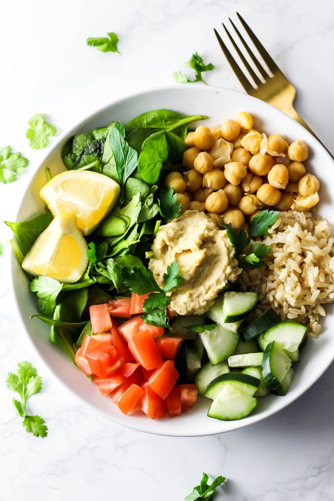Pack something green for lunch - like this Mediterranean Chickpea Salad! It's easy to prepare in 10 minutes to pack in a lunch box. Vegan & gluten-free!