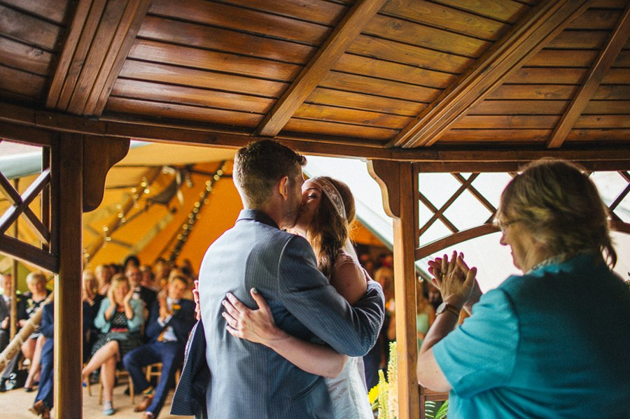 The first kiss villa farm wedding