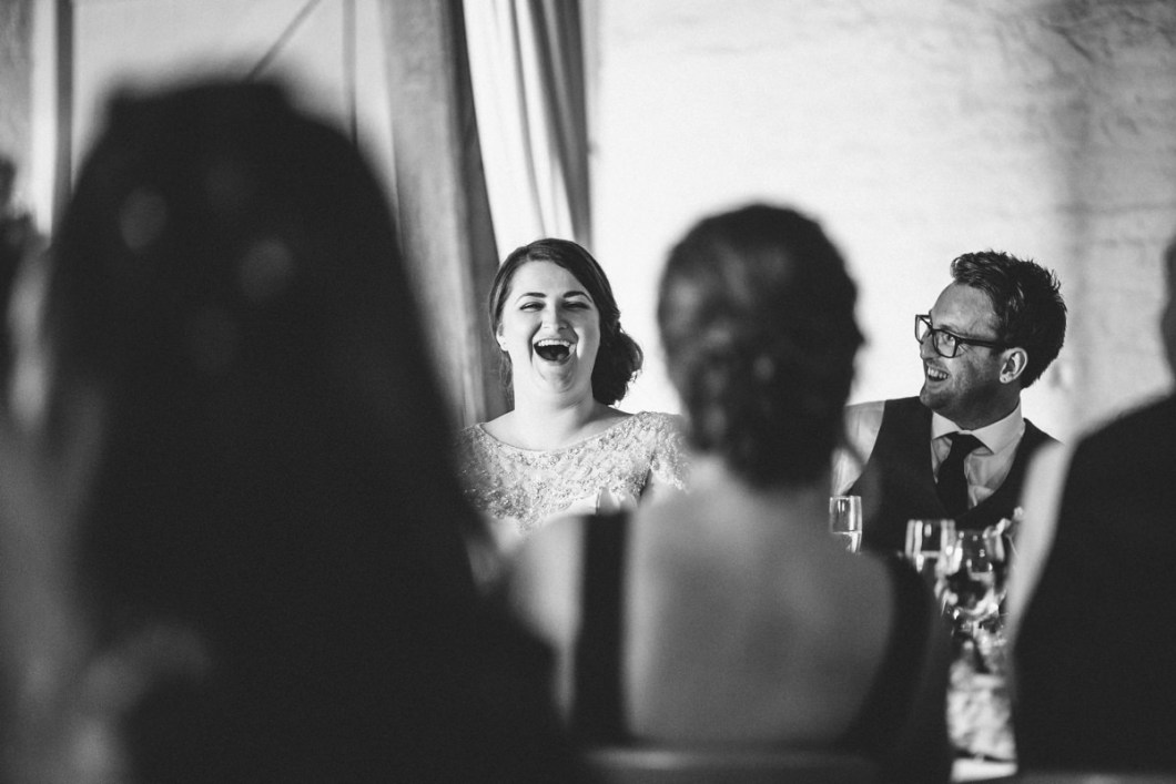 Wedding speeches. Relaxed wedding photography.