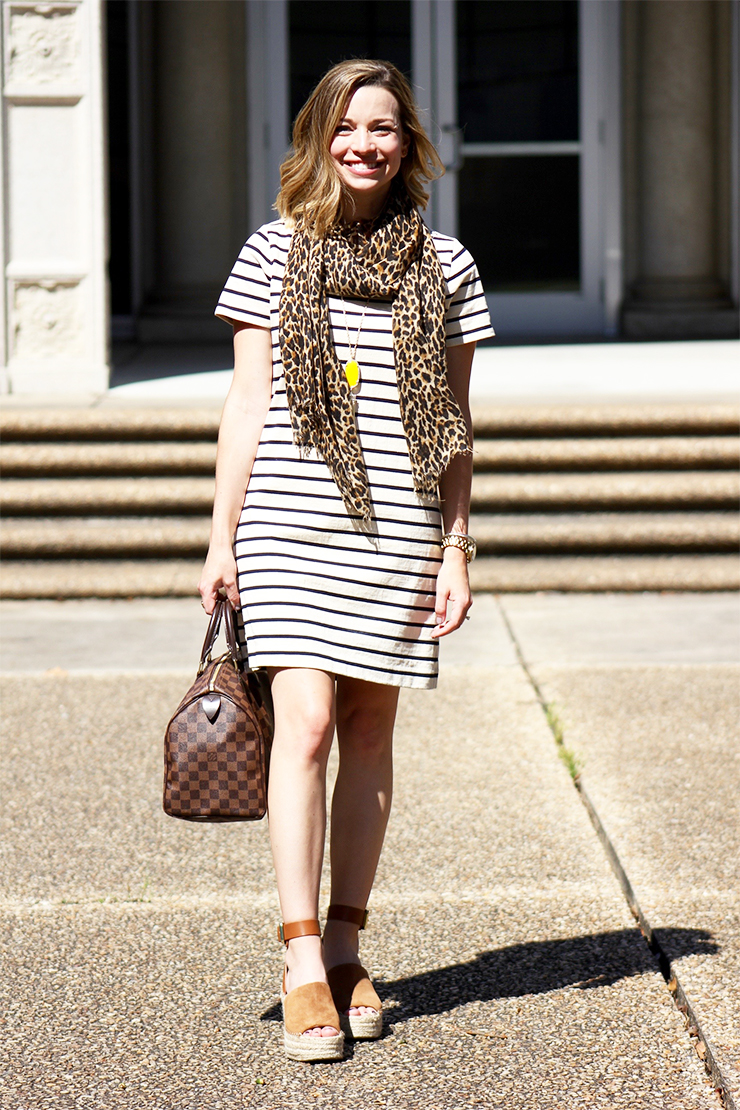 Dressed in 60 seconds: T-Shirt Dress