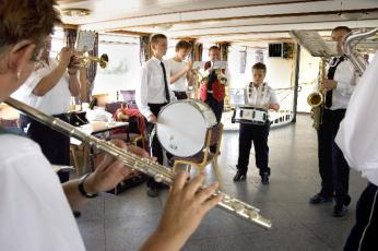 12 oefenen gelegenheidsmuziekcorps