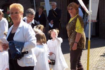 processie en kermis 2008 010